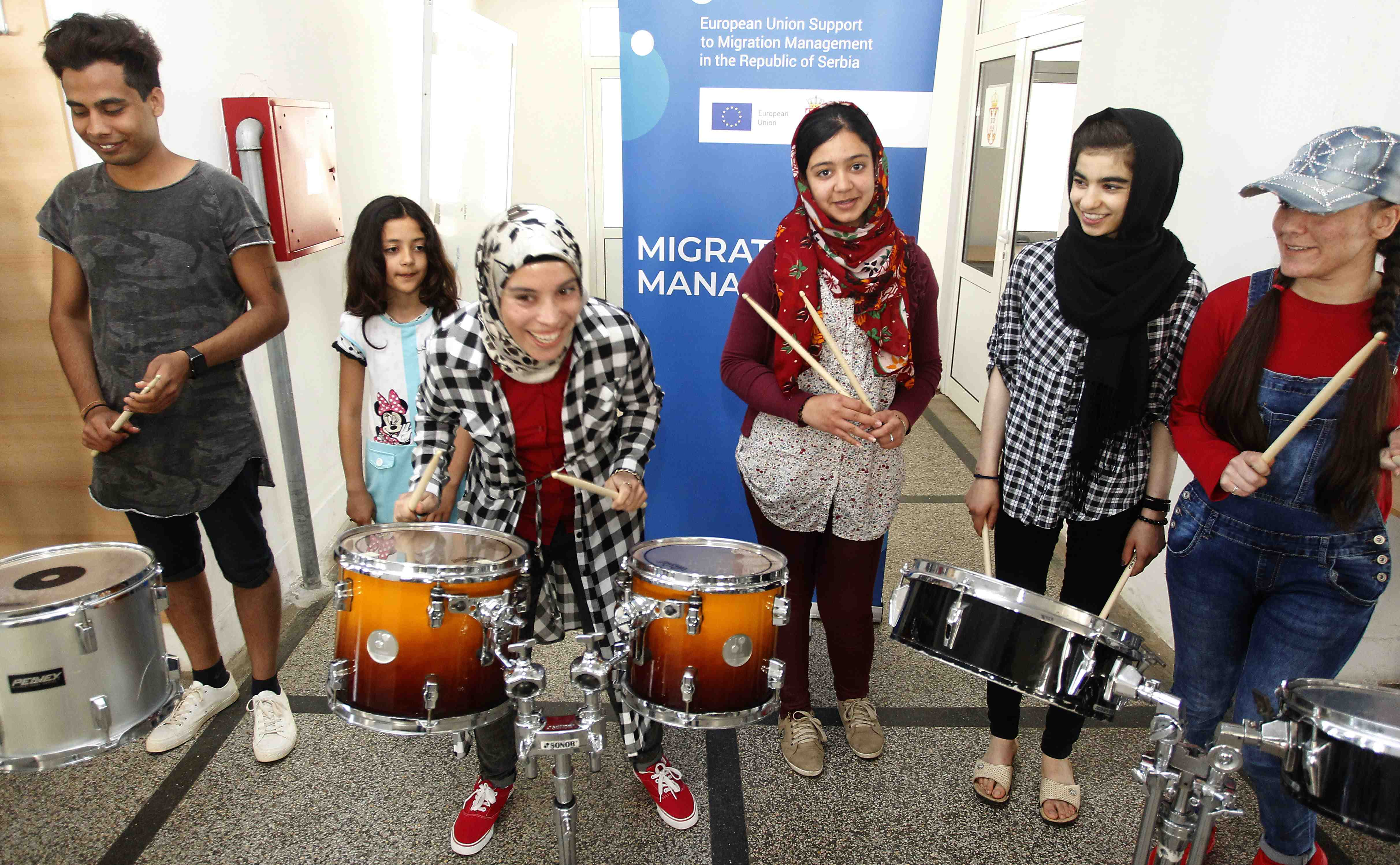 Percussion workshop for young migrants in Presevo and Pirot