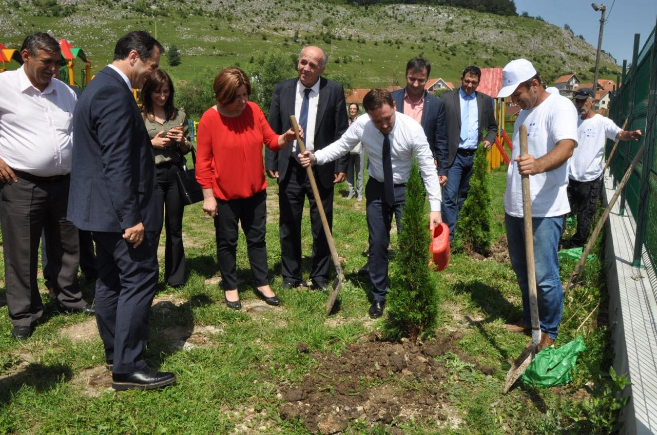 Nicolas Bizel, State Representatives and Project Implementing Partners in a visit to Tutin and Sjenica