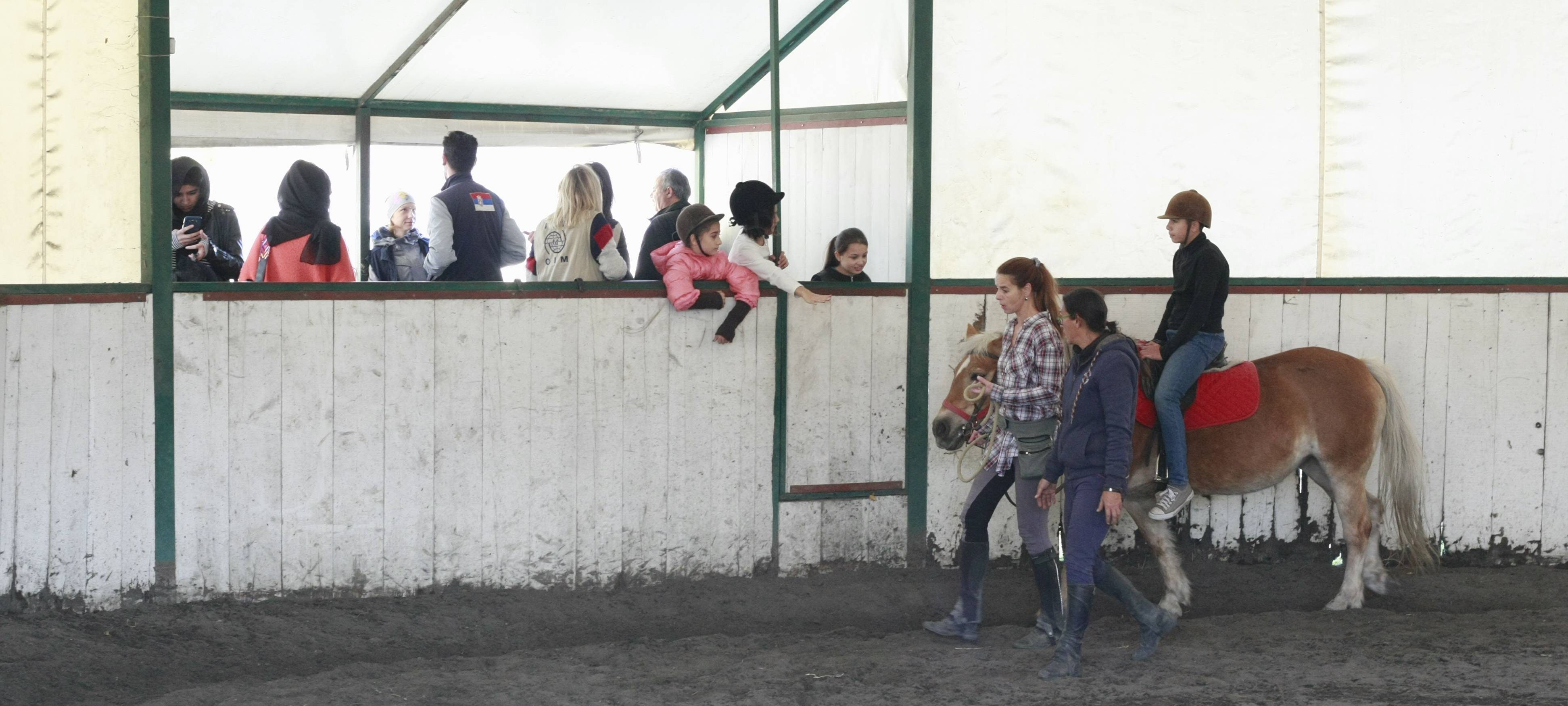 Migrants from the Asylum Centre in Krnjaca visited the Equestrian Club in Belgrade