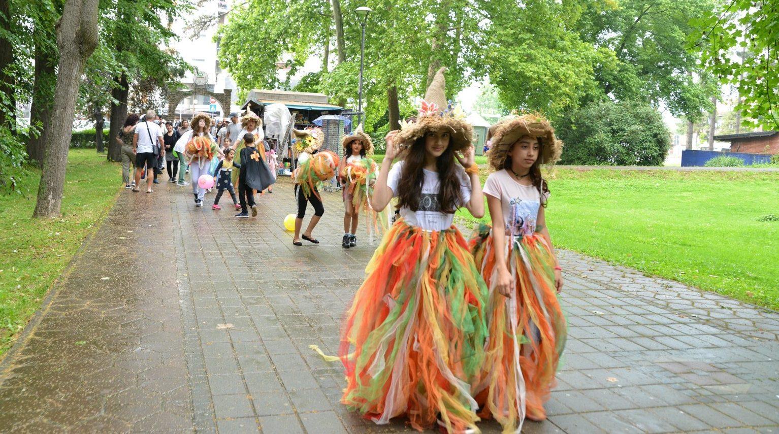 """Migrant Children joined the """"Royal Carnival"""" in Banja Koviljaca"""