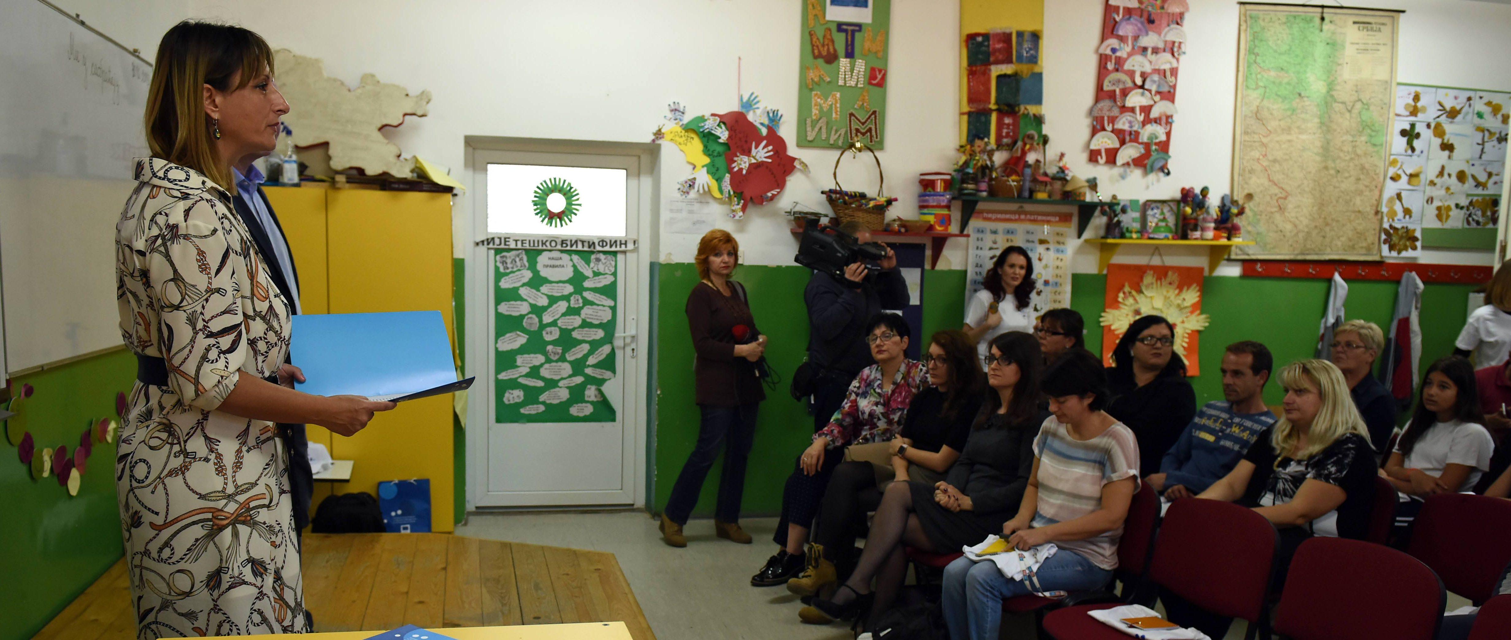 Roditelji i deca migranti družili se u školi u Pirotu