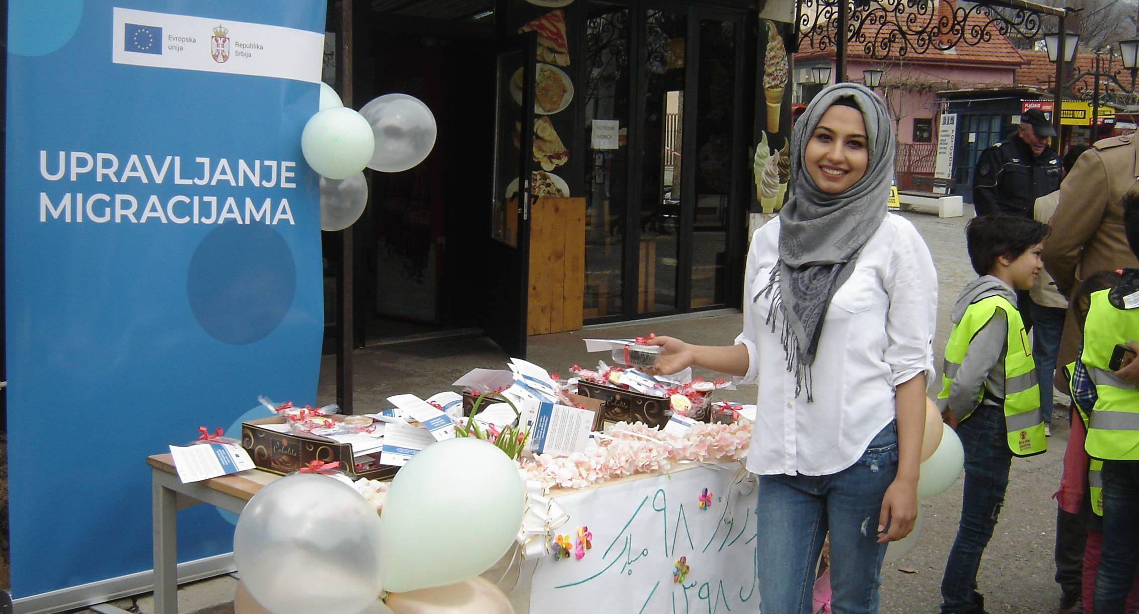 Migranti i Vranjanci počastili se kolačima za persijsku novu godinu